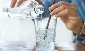 10 Bahaya Minum Es Secara Rutin