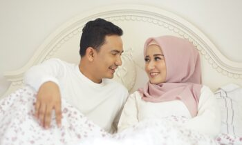 13 Adab Istri Terhadap Suami